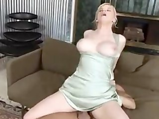 bigtit housewife receives creampie